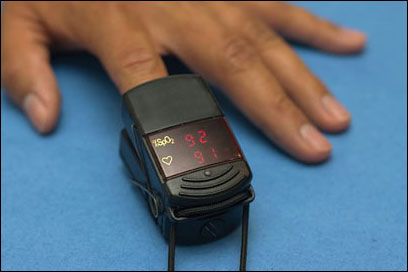 Low-end fingertip pulse oximeter.